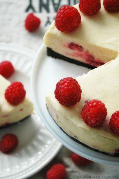 Vegansk Ostekake med Hvit Sjokolade og Bringebær! Vegan White Chocolate and Raspberry Cheesecake! (thevanillamonologues.blogg.no)