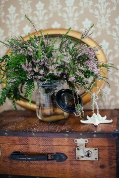 vintage finds from asunto e