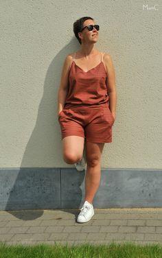 Een zomerse jumpsuit hack van 2 patronen uit La Maison Victor: de Leila Top en de Scarlet Short  https://mamcblogger.wordpress.com/2017/08/25/lmv-leila-top-scarlet-short-de-hack/