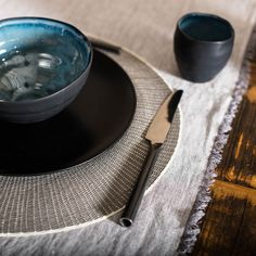 Tassen, Schüsslchen, Tischsets und Tischläufer und natürlich auch ganz auserlesenes, hochwertiges Besteck bei der lofterei.ch