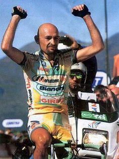 #MarcoPantani #PersonalTrainer #Bologna #bicicletta #bdc #ciclista Bicycle Girl, Bike, Cycling Outfit, Cycling Clothing, Winning Time, Vintage Cycles, Pro Cycling, Road Racing, Bologna