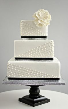 53 Square Wedding Cakes That Wow | HappyWedd.com