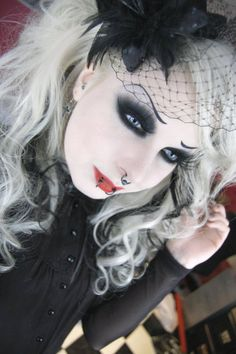Blonde goth is so hot Dark Beauty, Goth Beauty, Blonde Goth, Goth Hair, Goth Makeup, Dark Makeup, Eye Makeup, Makeup Stuff, Makeup Kit
