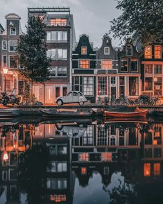 Called by numerous as Holland, the city of Amsterdam is the most checked out center in the Netherlands. Current stats have actually shown that more than million tourists are concerning check out Amsterdam per year. Amsterdam City, Amsterdam Travel, Amsterdam Canals, Amsterdam Holland, Places To Travel, Places To Visit, Rotterdam Netherlands, Travel Aesthetic, Travel Abroad