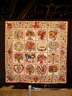 Quilt by Sue Garman - a winner at Houston Festival 2011- beyond my skills, but lovely to look at!
