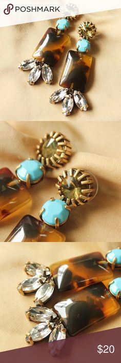 🔥⭐️ J Crew statement earring Gorgeous j crew statement earrings that will compliment your every need.  Wear these and be prepared for many compliments 💥 J. Crew Jewelry Earrings