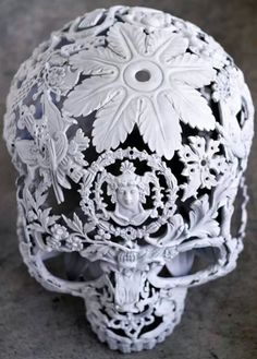 Skull sculpture, reminiscent of a cameo. Beautiful work by Alain Bellino Memento Mori, Bone Carving, Vanitas, Skull Art, Metal Skull, Skull Decor, Sculpture, Skull And Bones, Macabre