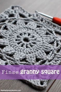 Crochet Diy Raad met draad: Finnish granny square pattern in English Motifs Granny Square, Crochet Motifs, Granny Square Crochet Pattern, Crochet Blocks, Crochet Squares, Granny Square Tutorial, Granny Square Blanket, Crochet Granny Square Beginner, Granny Square Projects