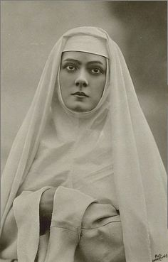 """Elizabeth """"Lily"""" Brayton (1876 – 1953) was an English actress.  She appeared as Isabella, a novice Nun in Shakespear's """"Measure for Measure"""" at the Adelphi Theatre, March 1906."""