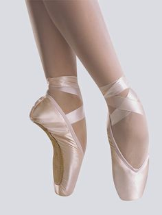 Grishko Pointe Shoes: How to Choose the Right Pointe Shoe for Ballet Dancing | http://whatwomenloves.blogspot.com/2014/06/how-to-choose-right-pointe-shoe-for.html