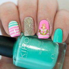 Cute Anchor Nail Art Designs15