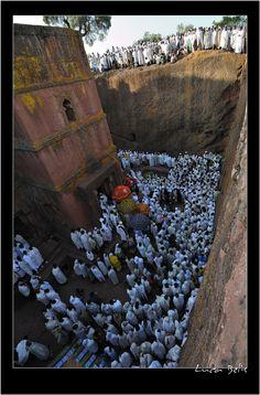 A steep sight down - Lalibela, Amara