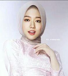 Yohan Dian Septiansyah (16) adalah siswa yang dikabarkan hilang, 2 ta… #horor # Horor # amreading # books # wattpad Jun Ji Hyun, Fashion Photography Poses, Park Shin Hye, Jay Park, Actresses, Anime Chibi, Korean, Faces, Wattpad