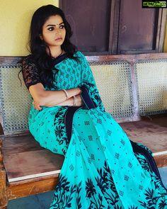 Exclusive stunning photos of beautiful Indian models and actresses in saree. Indian Actress Hot Pics, South Indian Actress, Indian Actresses, Beautiful Bollywood Actress, Beautiful Indian Actress, Beautiful Actresses, Beauty Full Girl, Beauty Women, Saree Dress