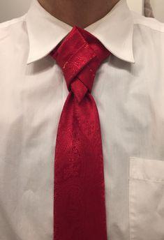 THE DIAMOND HEAD KNOT By Boris Mocka Cool Tie Knots, Cool Ties, Tie The Knots, Necktie Knots, Fancy Tie, Tie Day, Windsor Knot, Its A Mans World, Men's Wardrobe