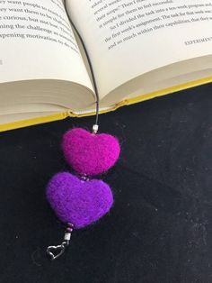 Despair In Youngsters - Realize To Get Rid Of It Wholly Double Heart Book Marks Felt Keyring, Felt Bookmark, Moleskine, Needle Felted, Wool Felting, Felted Wool Crafts, Felting Tutorials, Felt Ball, Felt Diy