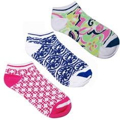 Super cute ladies golf sock in 12 styles (3 for $18). Great stocking stuffer!