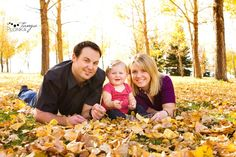 FALL family photos love all of the leaves @Porcha Key photography  i love this one too!