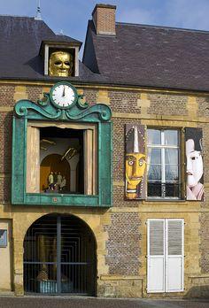 Noon - Charleville, Champagne-Ardenne  Institut de la Marionette