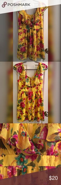 Yellow Floral V-neck short sleeve summer dress - M Beautiful & Bright Summer Dress with Floral Print. Size Medium. V-neck & Short Flutter Sleeves. Invisible back zip. Lined. 100% Polyester. Dry Clean. Twenty One Dresses Mini