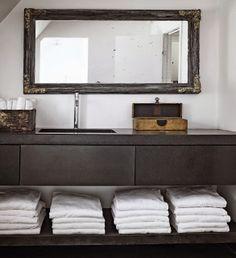 Regal unterhalb Waschbecken