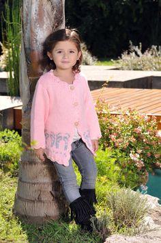 Saco para nena tejido a dos agujas con guarda, creado por Silvana gloria tejidos