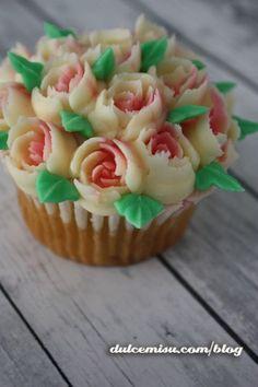 Boquillas-rusas-(72) Cupcakes, Deco, Desserts, Food, Russian Nozzles, Pastries, Recipes, Floral Bouquets, Kitchen Stove