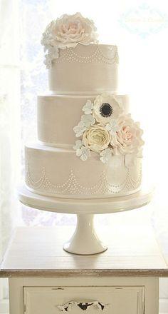 Shimmer wedding cake