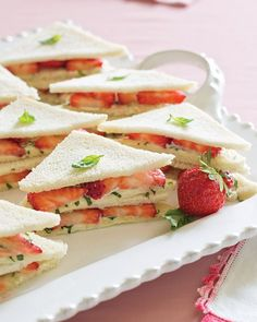 savory Strawberry Tea Sandwiches are a wonderful addition to afternoon tea or a light weekend luncheon.These savory Strawberry Tea Sandwiches are a wonderful addition to afternoon tea or a light weekend luncheon. Tea Recipes, Cooking Recipes, Tea Sandwich Recipes, Cucumber Recipes, Snack Recipes, Brunch Recipes, Simply Yummy, Strawberry Tea, Fingerfood Party
