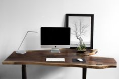 @ergonofis - Table à hauteur ajustable au design rustique chic. Pour faire de votre espace de travail un coin agréable.