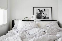 Scandinavian bedroom via @jasminabylund