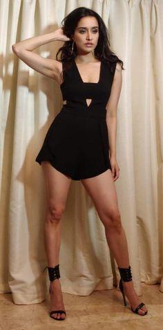 Shraddha Kapoor looks absolutely stunning Bollywood Actress Hot Photos, Indian Actress Hot Pics, Indian Bollywood Actress, Bollywood Girls, Beautiful Bollywood Actress, Bollywood Fashion, Indian Actresses, Bollywood Bikini, Bollywood Saree
