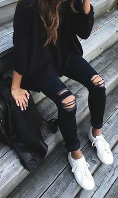 I know it looks like I love the whole distressed/ripped jeans. but really, all of the distressed/ripped jean outfits you come across on my feed - it's all about the outfit as a whole - not all of the holes. Mode Outfits, Fall Outfits, Casual Outfits, Fashion Outfits, Outfits With Black Jeans, Black Jeans With Holes, Casual Ootd, School Outfits, Casual Wear