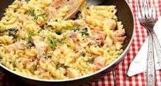 Spenótos-tejszínes-baconos tészta recept