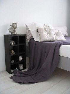 colors for the master bedroom: dark purple, white and dark brown