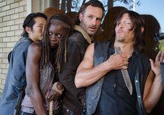 The Walking Dead Season 6 Behind-the-Scenes Photos – AMC