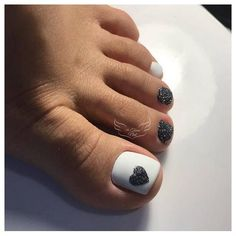 40 amazing toe nail colors to choose in 2019 00143 Gel Toe Nails, Black Toe Nails, Pretty Toe Nails, Cute Toe Nails, Feet Nails, Toe Nail Art, My Nails, Feet Nail Design, Toe Nail Designs