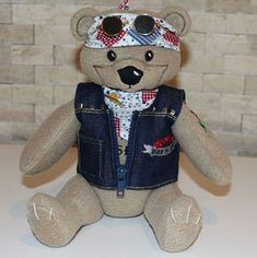 An adorable teddy with rose tattoo and denim jacket. Custom Embroidery, Embroidery Thread, Machine Embroidery Designs, Teddy Bear Pictures, Brother Embroidery, Cute Teddy Bears, Hand Stitching, Free Design, Sewing Crafts