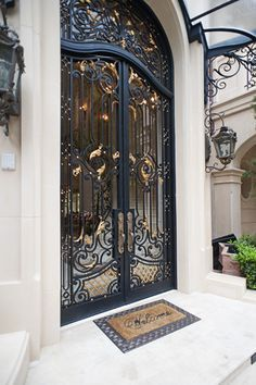 I need and want these absolutely lovely front doors Gate Design, Door Design, Exterior Design, Home Interior Design, House Design, Entrance Ways, Grand Entrance, Entrance Doors, Front Doors
