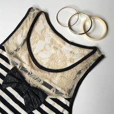 ▪️Classy Cream Striped Tank Top with Black Bow▪️ Bow has a leather like feel • Used • Ripped off the tag so I'm unsure about the name brand || Size extra small/small Tops Tank Tops