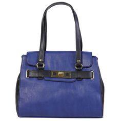 Nine West'in 2014 yazı için piyasaya sürdüğü mavi omuz çantası, fiyatı biraz el yakabilir yalnız.