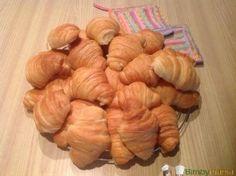 Cornetti Bimby ricetta illustrata | http://www.bimbymania.com/2015/05/cornetti-bimby-ricetta-illustrata/