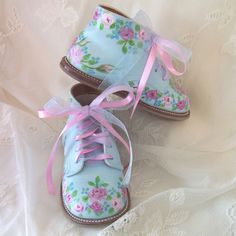 cute-I see vintage baby shoes at the antique store all the time! But you could also get them from Big Lots, or the dollar store