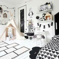 Pure black and white is certainly never dull, as you can see in this simply gorgeous room by @kidsdesignlife. How awesome are those white floorboards? The KAOS Hopscotch Rug is a new addition to Milk Tooth. Use it to bring a bit of the outdoors in xx    w w w . m i l k t o o t h . c o m . a u