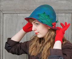 Unique elegant felted hat Christmas hat retro style by filcAlki Turquoise and red Hair Accessories For Women, Winter Accessories, Vintage Accessories, Retro Look, Retro Style, Christmas Hats, Niece And Nephew, Wet Felting, Indigo Blue