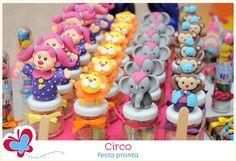 O circo da Marina - lindo e colorido! A festa pronta