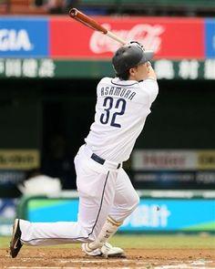 Hideto Asamura #32 clubs his 11th of the year, a go-ahead 2-run shot to straightaway center field off Shuugo Fujii in the bottom of the 6th inning at Seibu Dome on Sunday, June 16, 2013 in Tokorozawa, Saitama.