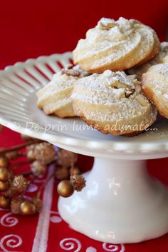 Romanian cookies Biscuit Cookies, No Bake Cookies, Cupcake Cookies, Favorite Cookie Recipe, Best Cookie Recipes, Favorite Recipes, Romanian Desserts, Romanian Food, Romanian Recipes
