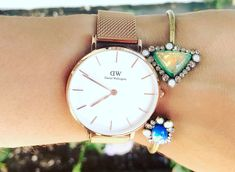 Daniel Wellington watches, Daniel Wellington coupon code, elegant women's watches, affordable women's watch, affordable watches, elegant watch, rose gold watch, women's watch, Mother's Day 2017, Mother's Day gift ideas, the style contour, Daniel Wellington Classic Petite Melrose watch