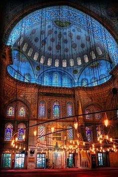 Visit the Blue Mosque in Istanbul - Friendly Rentals Islamic Architecture, Beautiful Architecture, Beautiful Buildings, Art And Architecture, Beautiful World, Beautiful Places, Blue Mosque Istanbul, Beautiful Mosques, Mystique